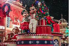 merry christmas party pictures why mickey s very merry christmas party is totally worth it