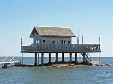 Haus 252 Ber Dem Wasser Stockbild Bild Erh 246 Ht Pier