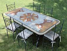 tavoli per esterni piani a mosaico e in pietra lavica per tavoli da esterno