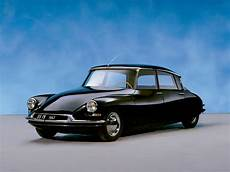 Citroen Ds Oldtimer - vintage car spotting in streets of 1960s citroen ds