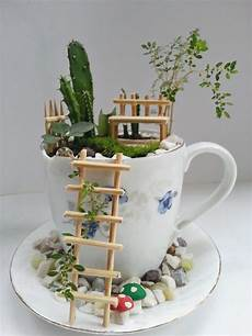 Basteln Mit Fotos - how to make a garden with teacups craft projects