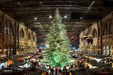 swarovski weihnachtsbaum 2017 z 252 rich foto bild