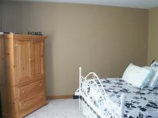 i need help with paint colors with gold oak trim