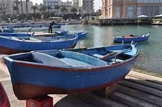 il gozzo antica e colorata barca a remi 171 una moglie per i pescatori 187 barinedita testata