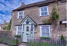 cottage rentals uk lantern house cotswolds cottage uk