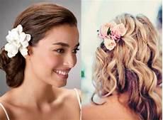 Blumen Im Haar Hochzeit - brautfrisuren mit blumen 22 ideen f 252 r ein perfektes