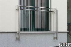 französischer balkon modern 650 x