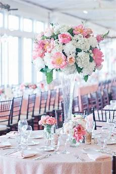 How To Choose The Right Wedding Centerpieces For