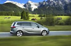 Opel Launches 2015 Zarifa Tourer With New Engine