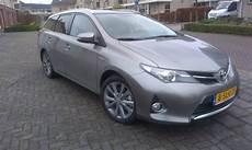 toyota auris touring sports 1 8 hybrid lease 2013