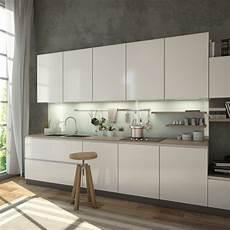 Küche Weiß Lackieren - glasr 252 ckwand kaufen wei 223 mit gr 252 n schimmer spiegel21