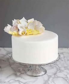 Kuchen Mit Fondant - how to cover a cake with fondant how to baking sense