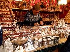 banchetti di natale bolzano mercatini di natale in tirolo banchetti tradizione e magia