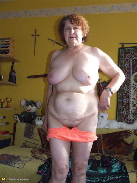 Fat Granny Solo Porn