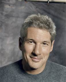 Richard Gere Jung - 10 popular with gray hair color menwithstyles