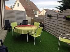 gazon sur terrasse verygreen 25 mm le gazon artificiel haute qualit 233 pour