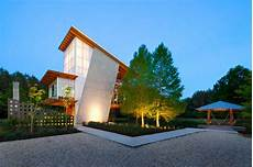 spot eclairage facade 17 inspiring exles of exterior uplighting on houses