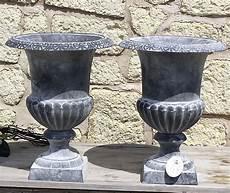 pot en fonte pour jardin 2 jardiniere bac pot vasque medicis en fonte de jardin portail porte gris 41cm fontaine