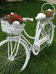 deko fahrrad für blumen 44 deko garten ideen entfalten sie den charme des