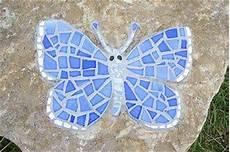 mariposa de cart 243 n reciclado mariposa de juguete hecha con cart 243 n reciclado
