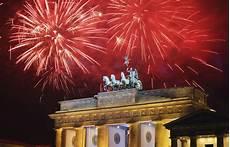 bild der tag bei bild berlin welcomes 2012 with fireworks and concert zimbio
