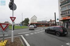 Feu Rouge Point Le Mans Tramway Des Nouveaux Feux Sur Le Rond Point De