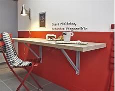 table qui se replie contre le mur gagner de l espace avec cette table rabattable leroy merlin