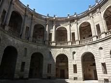 cortile palazzo farnese palazzo farnese a caprarola palazzina dei giardini