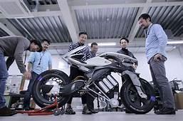 MOTOROiD  Electric Bikes Futuristic Motorcycle Tokyo