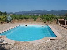 location maison piscine var particulier villa au milieu des vignes avec piscine situ 233 e au