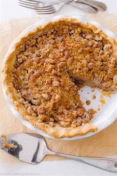 Apple Crumble Pie Sallys Baking Addiction