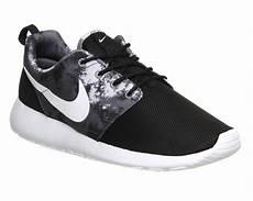 nike roshe run black white cool grey print unisex sports