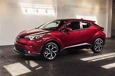toyota c hr hybride suv compact voiture neuve et d