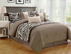 zebra print bedroom 7 pieces comforter set bed bag oversize zebra animal