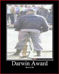 darwin award 2017 25 best darwin awards images on
