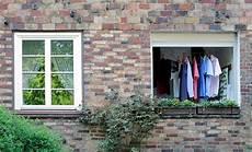 Wäsche Trocknen Balkon - 900 3319 bunte hemden auf b 252 geln an der w 228 scheleine auf