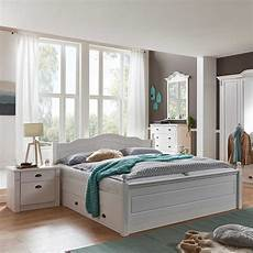 schlafzimmer weiss schlafzimmer einrichtung vicenza im landhaus design in