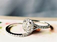 the 5 times you shouldn t wear your wedding ring
