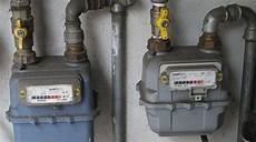 piombatura contatore gas non pagava le bollette e si collegava alla rete gas