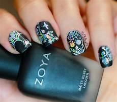 phd nails gothic nail art with zoya domiva and