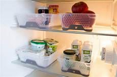 kühlschrank sauber machen ordnung in der k 252 che lebensmittel organisieren enth 228 lt