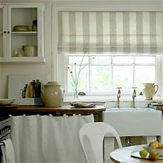 Kitchen Curtains In by Kitchen Curtains Or Blinds 226 Which One Is Right For You
