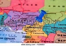 carte bleue bloquée cameroun carte atlas carte du monde politique drapeau