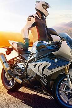 Avenger Bike Hd Wallpaper For Mobile
