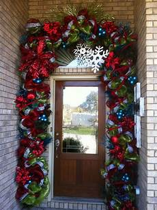 Decorations Front Door by 10 Inexpensive Ways Of Decorating Your Home For The