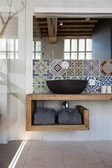 waschtisch holz modern moderne wanddeko aus holz im rustikalen stil badezimmer