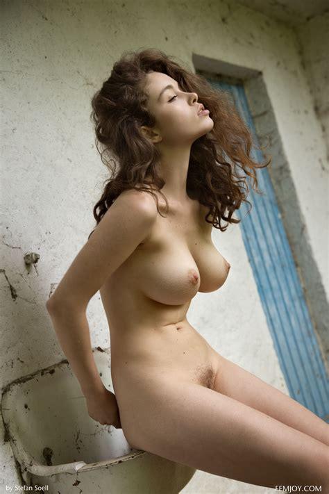 Amature Boobs Nude