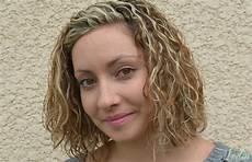 mini vague cheveux coupe de cheveux carre mini vague