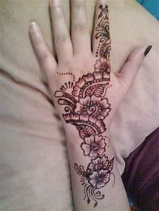 Gambar Terbaru Henna Motif Hewan Sayang Dilewatkan
