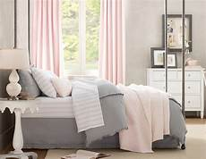 Bedroom Ideas For Pink And Grey by Pink And Gray Bedroom Wt Do U Think Nersian S